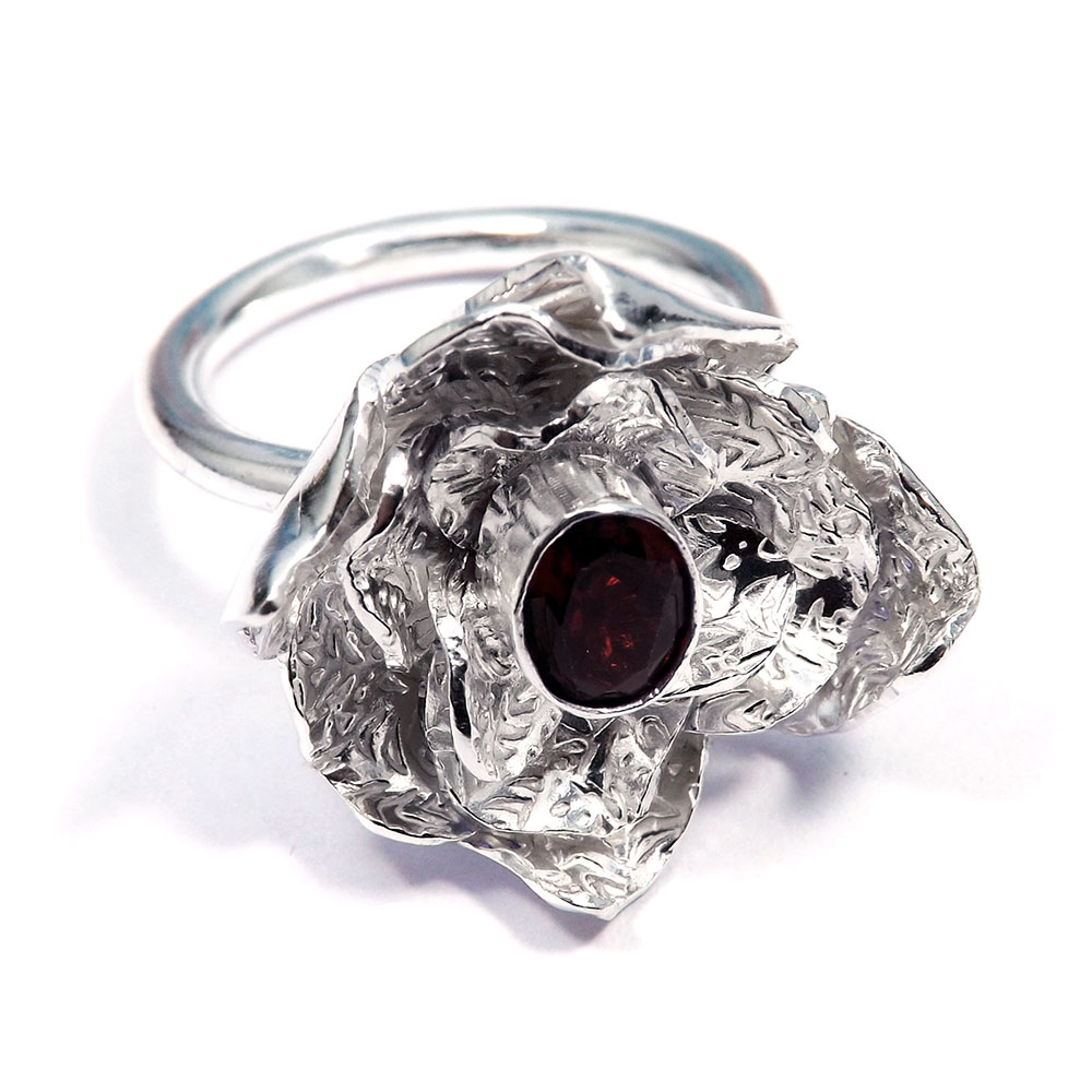 Garnet Cut - D HR975 - Natural Garnet 6x8mm Oval Cut Brass Silver Plated Flower Design Ring